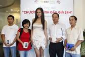 """Mai Phương Thúy trao HTC Smart Special cho """"Đấu giá 24h"""""""