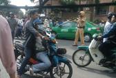 Bắt băng dàn cảnh cướp trên phố