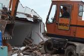 Tháo dỡ hàng chục căn nhà xây không phép