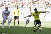 Tăng lương gấp 3, Dortmund tháo