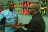 Yaya Toure nhận giải Cầu thủ châu Phi hay nhất