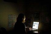 Dùng máy tính ban đêm dễ bị trầm cảm