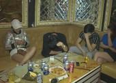21 nam nữ rủ nhau vào quán karaoke để chơi ma túy