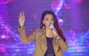 """Hồ Quỳnh Hương làm bùng cháy đêm 7 """"Mai Vàng kết nối"""""""