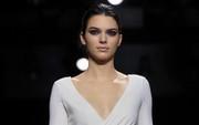Siêu mẫu Kendall Jenner kiếm tiền nhiều nhất năm 2017
