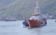 Đưa 3 ngư dân gặp nạn trên vùng biển Hoàng Sa vào bờ