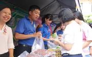 Người lao động được mua rau sạch