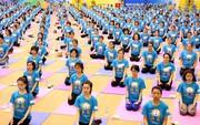 1.200 người đồng diễn bài Giao thức Yoga