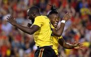 """Lukaku lập """"cú đúp"""", Bỉ thót tim với chấn thương Hazard"""