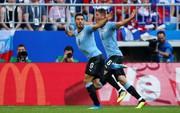 Suarez lập công, Uruguay đứng đầu bảng A