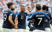 "Pháp - Argentina 4-3: Mbappe được so sánh với Pele, Ronaldo ""béo"""