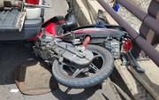 Xe tải tông đuôi xe máy trên cầu Cần Thơ, 2 mẹ con chết thảm