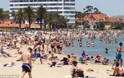 Australia nắng nóng cực điểm tan chảy cả nhựa đường