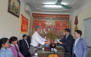 """Chương trình """"Xuân nhân ái - Tết yêu thương"""": Trao 25 triệu đồng hỗ trợ cho 5 công nhân bị TNLĐ ở Hà Nội"""