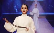 """""""Chim công làng múa"""" Linh Nga xuất hiện sau vụ kiện"""