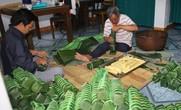 Nức danh ngôi làng 500 năm làm bánh chưng, bánh tét ở Huế