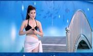 Ồn ào MC mặc bikini dẫn chương trình