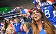Video: Xem người Pháp ăn mừng cúp vàng sau 20 năm