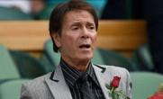 Ca sĩ Cliff Richard thắng kiện BBC về cách tác nghiệp báo chí