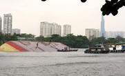 Tàu Mông Cổ đâm sà lan trên sông Sài Gòn, 1 người bị thương, 2 người mất tích