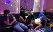 TP HCM: Nam thanh nữ tú vào karaoke phê ma túy