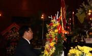 Phó Thủ tướng Vương Đình Huệ dâng hương tại Khu Di tích Kim Liên