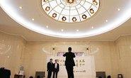 Đại biểu Quốc hội Trung Quốc bị cấm ăn tôm hùm, vi cá mập