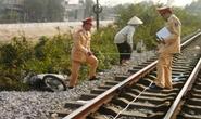 Cố băng qua đường sắt, 1 người nguy kịch