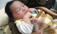 Bé trai sơ sinh nặng 5.1kg