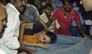 Ấn Độ: Giẫm đạp kinh hoàng trong lễ hội, 32 người chết