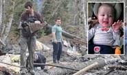 Liều mạng cứu bé 5 tháng tuổi bị lở đất chôn sống