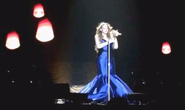"""Danh ca Mariah Carey bị """"fan"""" chê hát dở"""