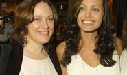 Angelina Jolie khẳng định chịu ảnh hưởng nặng từ mẹ