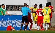 Vòng 17 V-League: Ẩu đả ở sân Lạch Tray