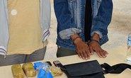 Bắt 2 người Lào vận chuyển 6.000 viên ma túy