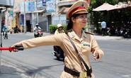 Mùa hè và… nữ Cảnh sát giao thông