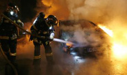 Thanh niên Pháp đốt hơn 1.000 xe mừng năm mới