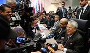 OPEC không giảm sản lượng, giá dầu lao dốc