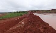 Vỡ đê quai hồ thải quặng bauxite