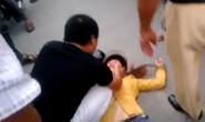 Phẫn nộ với clip đánh vợ ngất xỉu giữa phố