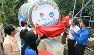 SAWACO tặng bồn nước sạch cho dân nghèo