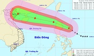 Bão Kalmaegi giật cấp 16, 17 khi vào Biển Đông
