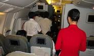 Khó xử lý hình sự vụ công chức hải quan Hải Phòng cầm áo phao máy bay VNA