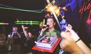 Khán giả làm bánh sinh nhật tặng Đàm Vĩnh Hưng