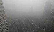 """Bắc Kinh """"ngụp lặn"""" trong không khí ô nhiễm"""