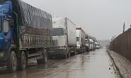 Xe container sụp ổ trâu, Quốc lộ 1A tắc đường gần 15 km