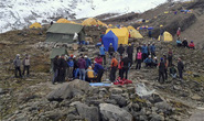 Tuyết lở trên đỉnh Everest, 12 người thiệt mạng