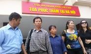 Ông Nguyễn Thanh Chấn yêu cầu bồi thường cho mẹ và vợ mỗi người 1 tỉ đồng