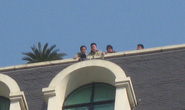 Hà Nội: nam thanh niên lên mái tòa nhà Pacific dọa tự tử
