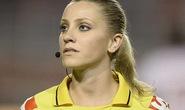 Nữ trợ lý trọng tài Brazil thiêu đốt ánh nhìn cộng đồng mạng